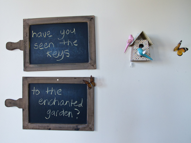 Blackboard messages at the Apples & Jam Playhouse, South Melbourne Commons